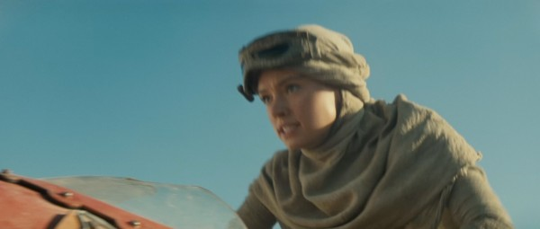 star-wars-the-force-awakens-daisy-ridley1-600x255