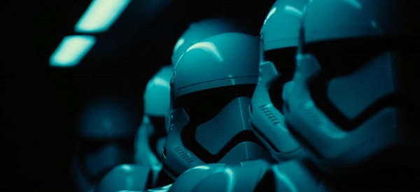 star-wars-the-force-awakens-storm-troopers-600x274
