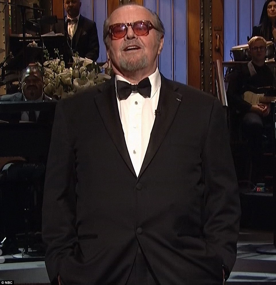 25B88E2700000578-2951083-First_timer_Jack_Nicholson_made_an_appearance_as_he_introduced_a-a-21_1424082164369
