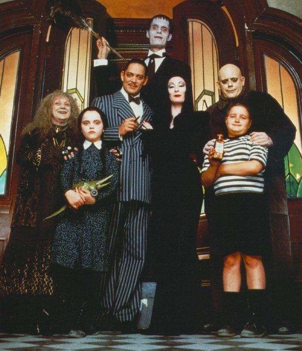The-Addams-Family-addams-family-11734927-594-690