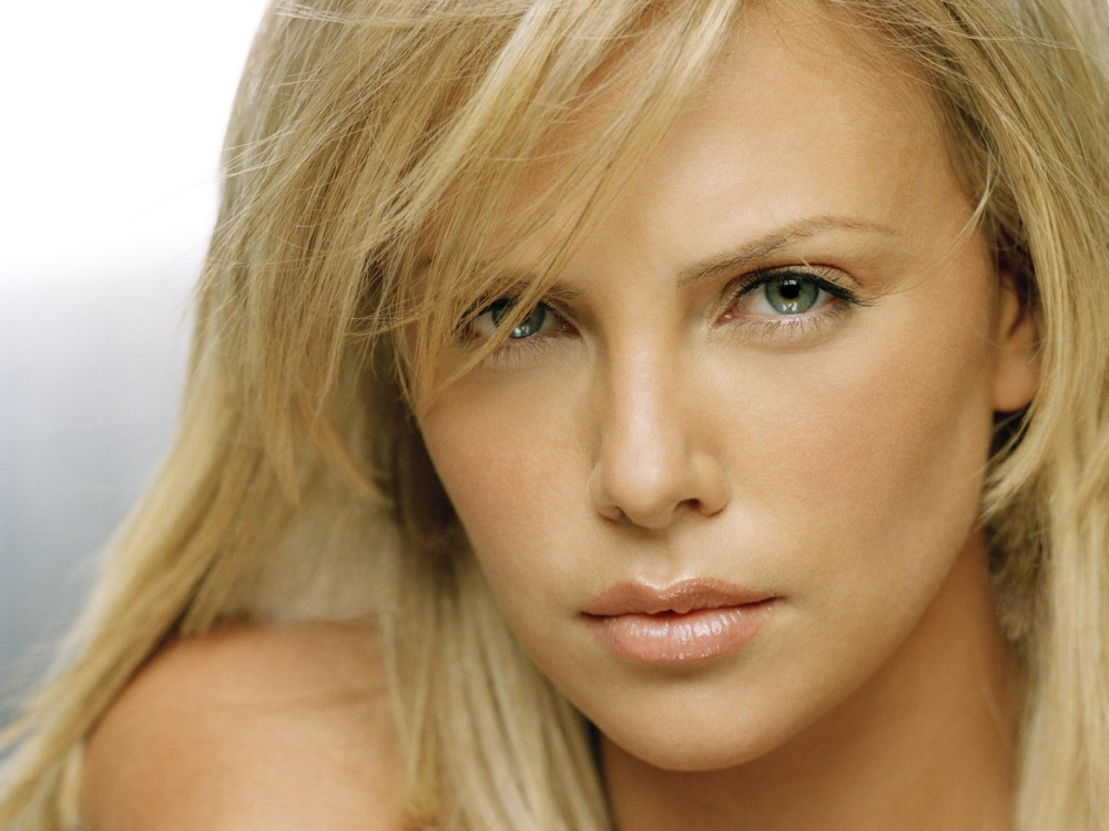 _downloadfiles_wallpapers_1600_1200_charlize_theron_mysterious_wallpaper_charlize_theron_female_celebrities_3061