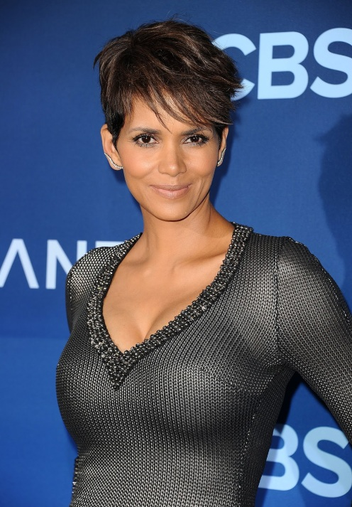 """LOS ANGELES, CA - JUNE 16: Actress Halle Berry attends the premiere of """"Extant"""" at California Science Center on June 16, 2014 in Los Angeles, California. (Photo by Jason LaVeris/FilmMagic)"""